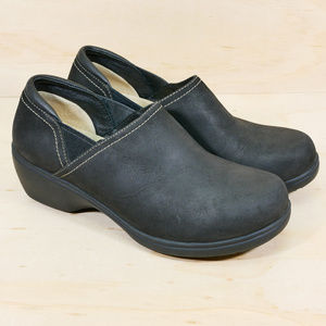 LL Bean Black Leather Clogs EUC